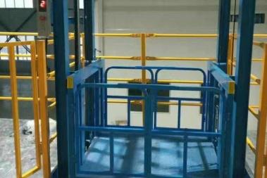 大吨位升降货梯